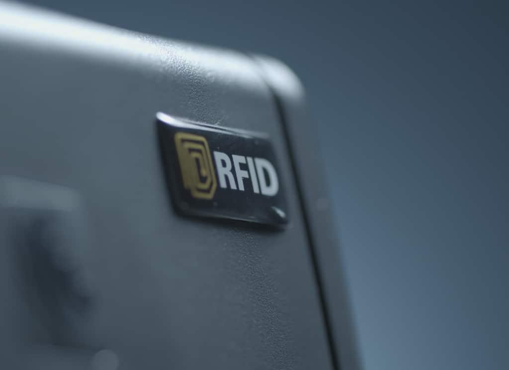 Detalle emblema RFID impresora